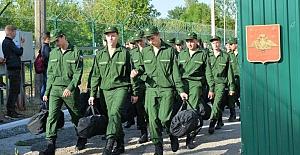 Rus ordusunda zorunlu askerlik yapmak istemeyen 222 Kırımlı genç işgalci mahkemelerde yargılandı