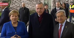 Almanya'nın İlk Kadın Şansölyesi 'Angela Merkel'