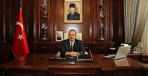 """Bursa Valisi Canbolat: """"Gazilerimiz, ülkemizin medarı iftiharı, vatanseverliğin ve kahramanlığın yaşayan abideleridir"""""""