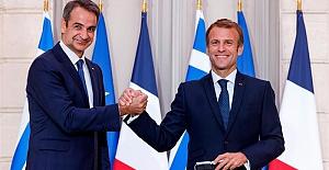 Önce kaşıyor, sonra da bir şeyler satıyorlar: Fransa, Yunanistan'a üç fırkateyn satacak