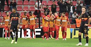 Sarı-kırmızılılar, ligde 4 maçtır kazanamıyor. Takım Kayseri'de adeta dağıldı!