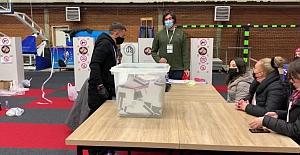 Kuzey Makedonya ve Kosova yerel seçim için sandık başında