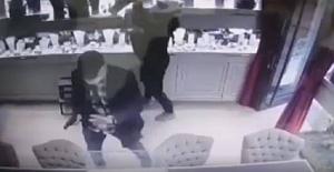 Silah doğrulttular, İngilizce konuştular: Şişli'de 100 bin dolarlık soygun