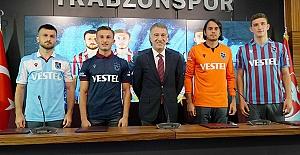 Trabzonspor'da 4 imza birden