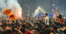 Galatasaray Şampiyonluğunu Kutluyor